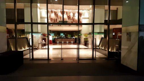 parkroyal hotel lobby